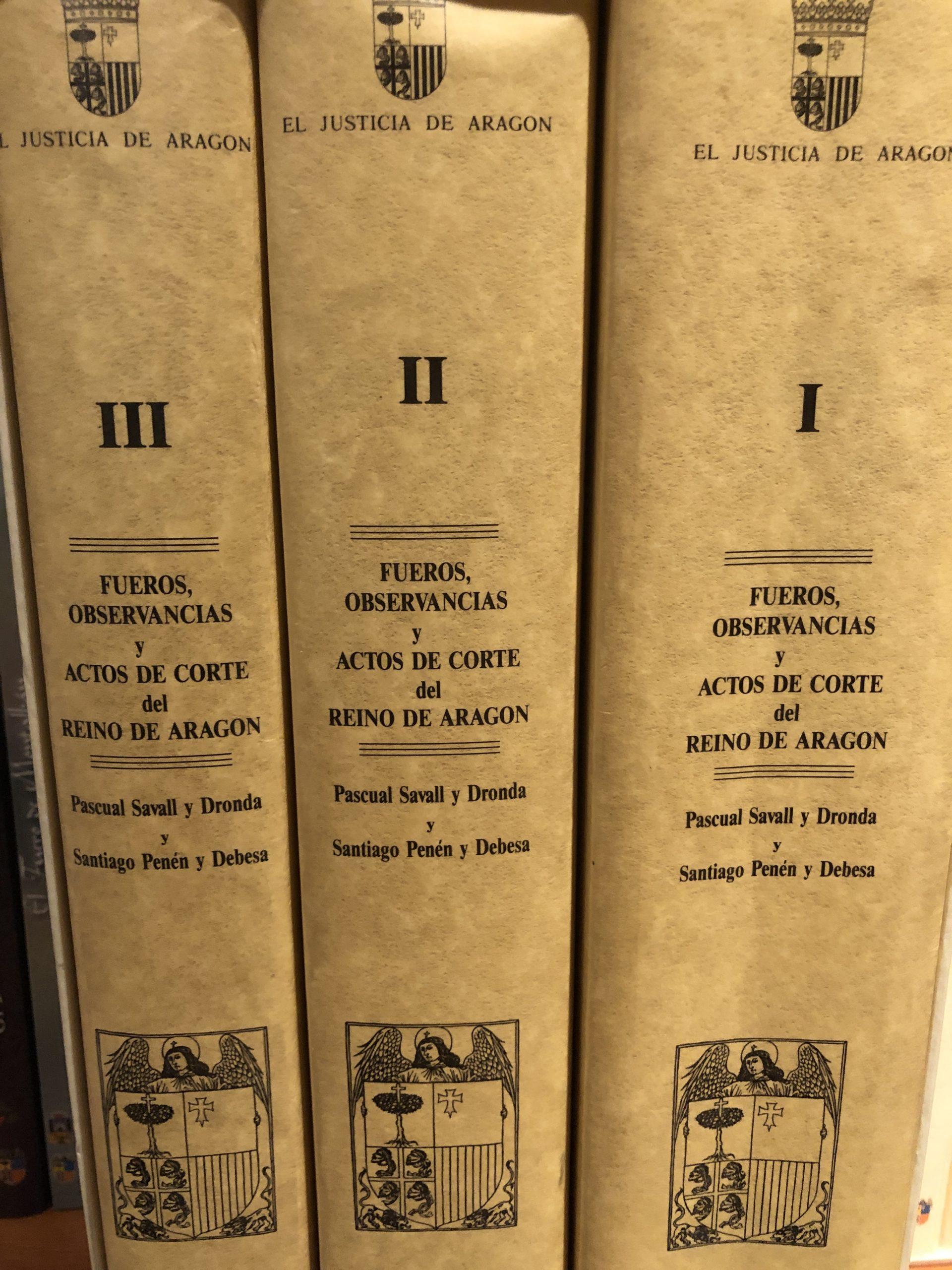 lomo de los libros fueros